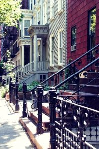 Houses Street Brooklyn - Selling your Brooklyn house and buying a new one at the same time