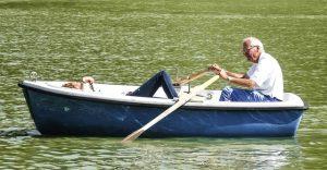 Senior in the barca