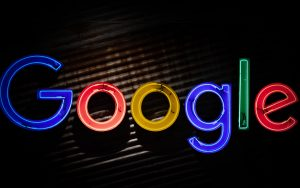 an image that says google